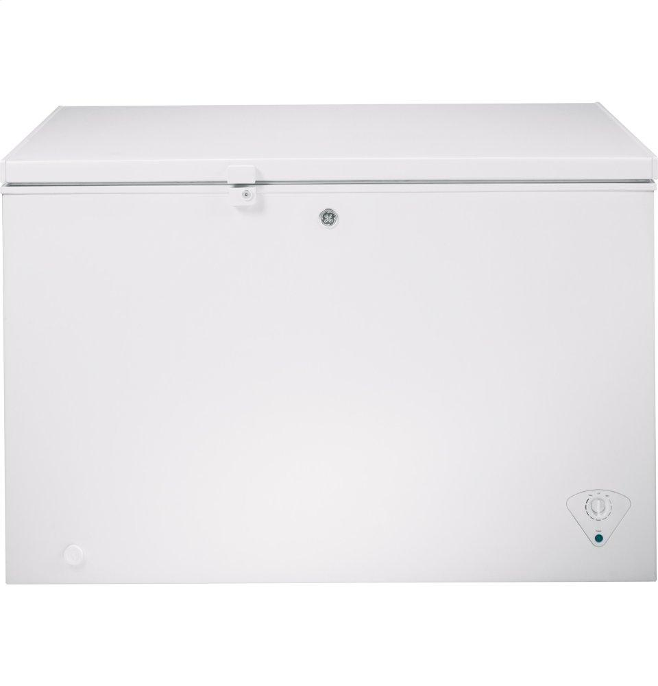 GE(R) ENERGY STAR(R) 10.6 Cu. Ft. Manual Defrost Chest Freezer