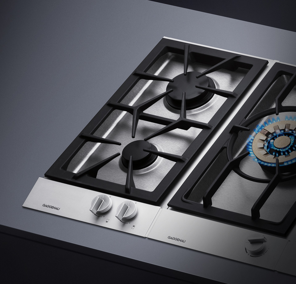 gaggenau single burner There are scratches to the stainless top near the burners as shown appearance fuel type: gas style: sealed burner type: drop-in continuous grates: yes.