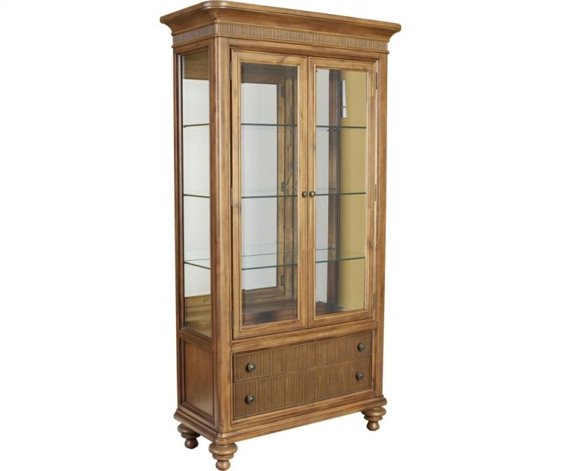 Lennys Furniture 4940560 in by Broyhill Furniture in Fort Myers, FL - Cascade Curio ...