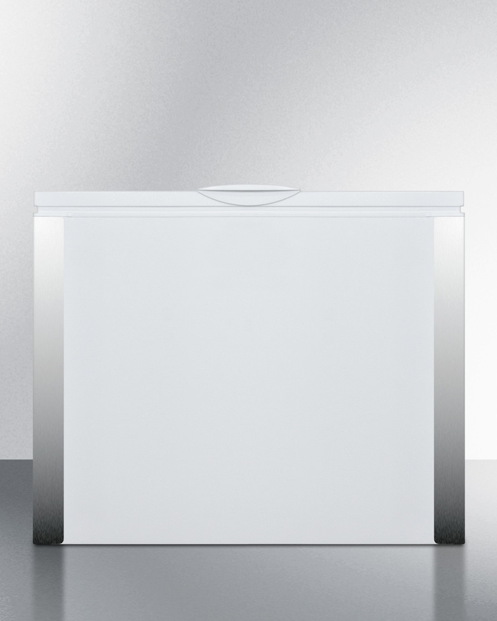 Commercially Listed 7 CU.FT. Manual Defrost Chest Freezer
