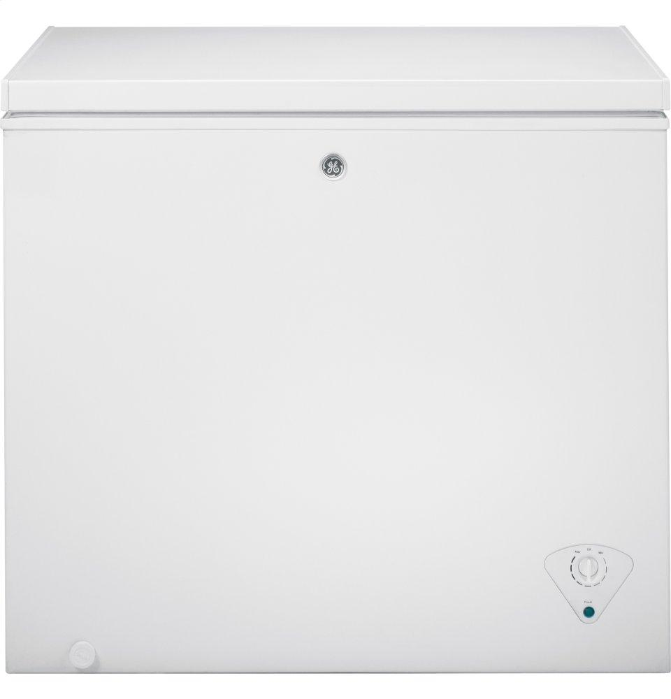 GE(R) 7.0 Cu. Ft. Manual Defrost Chest Freezer