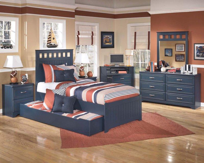 B103B4 in by Ashley Furniture in Lansing IA Leo Blue