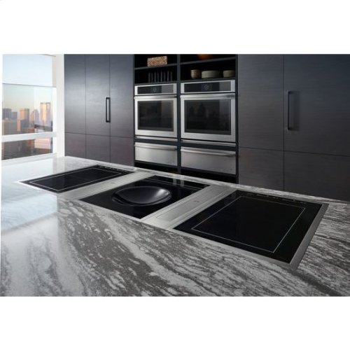 """Euro-Style 30"""" Single Wall Oven with V2 Vertical Dual-Fan Convection System"""