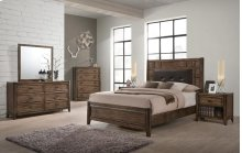 Englewood Oak Transitional Bedroom