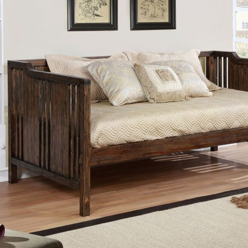Petunia Daybed