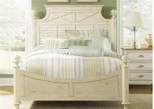 Queen Poster Bed Set