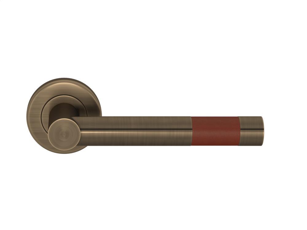 Barrel Short Stitch In Recess Leather In Chestnut And Fine Antique Brass