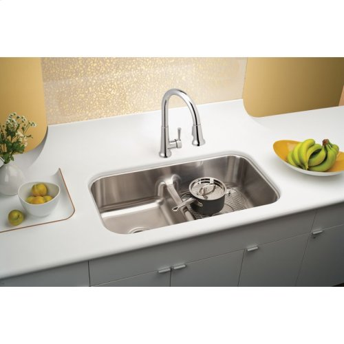 """Elkay Lustertone Classic Stainless Steel 32-1/2"""" x 18-1/8"""" x 8"""", Equal Double Bowl Undermount Sink with Aqua Divide"""