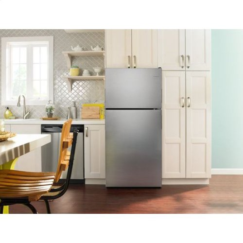 30-inch Wide Top-Freezer Refrigerator with Garden Fresh™ Crisper Bins - 18 cu. ft. - stainless steel