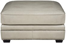 Grandview Cocktail Ottoman in Mocha (751)