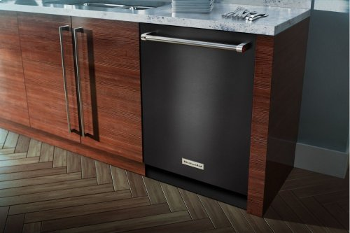 44 dBA Dishwasher with Dynamic Wash Arms - Black Stainless