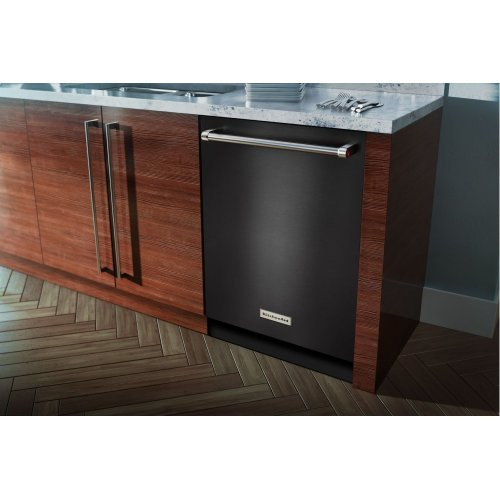44 dBA Dishwasher with Dynamic Wash Arms - Black Stainless Steel with PrintShield™ Finish