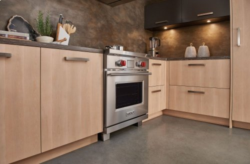 "***DISPLAY MODEL CLOSEOUT*** 30"" Transitional Induction Range"