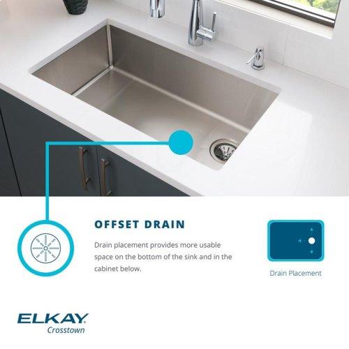 "Elkay Crosstown Stainless Steel 33"" x 22"" x 9"", Equal Double Bowl Dual Mount Sink Kit"