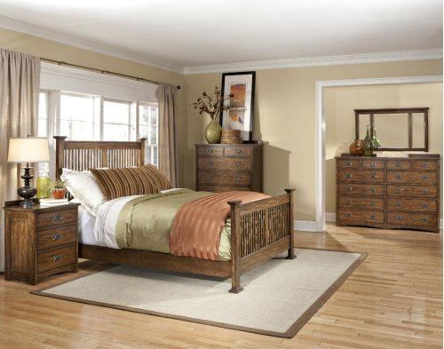 Queen Panel Bed, (1) 6 Drawer Storage, (1) Univ Rail
