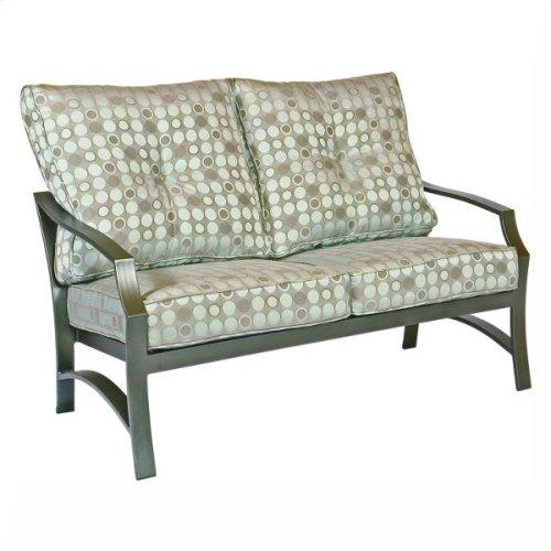 3022 Love Seat