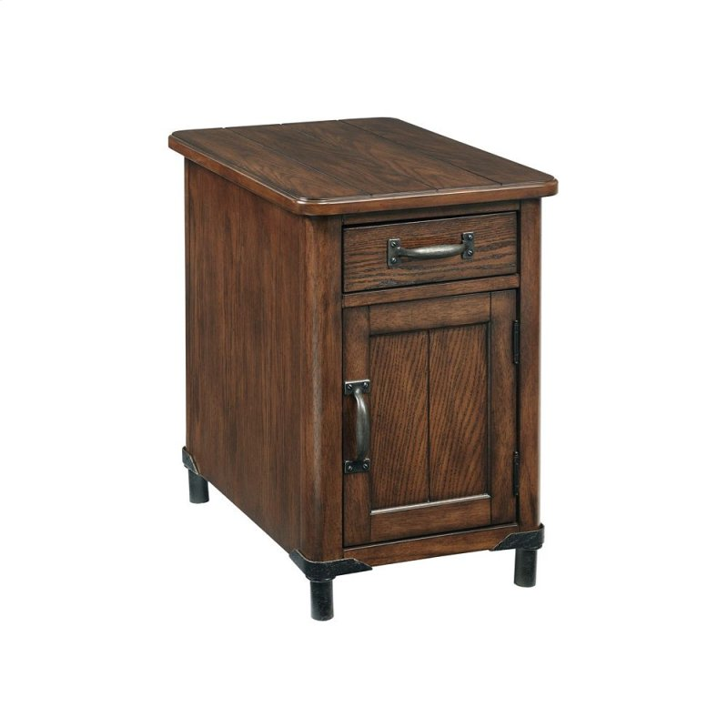 Popular 3353004 in by Broyhill Furniture in Beattyville, KY - Saluda  ET57