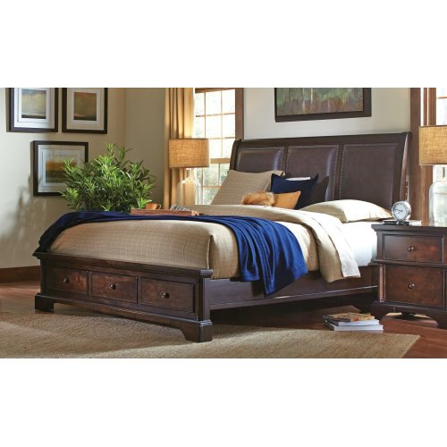 Leather Qn Sleigh HB w/lamp assist