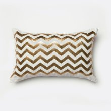 Alyssia Pillow