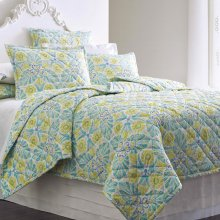 Painted Medallions Quilt & Shams, Lake, Full/queen