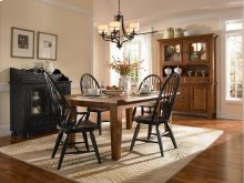 Broyhill - Attic Heirlooms Natural Oak Stain 7 Pc. Dining Set - Table, 4 Side Chairs, 2 Arm Chairs