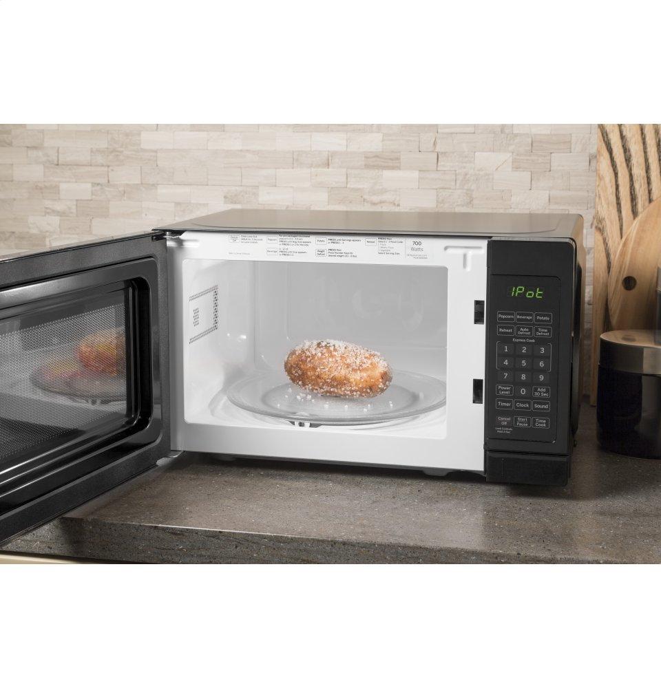 Jes1072dmbb Ge 174 0 7 Cu Ft Capacity Countertop Microwave
