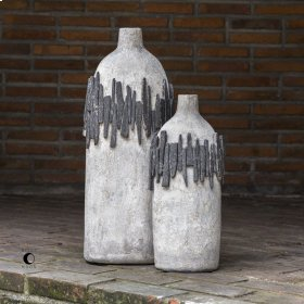Rutva, Vases, S/2