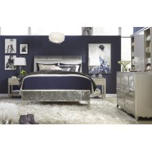Glitz & Glam Upholstered Mermaid Bed, Full 4/6