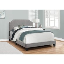 BED - FULL SIZE / GREY LINEN WITH CHROME TRIM