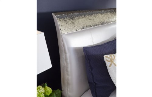 Glitz & Glam Upholstered Mermaid Bed, Queen 5/0