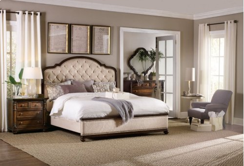 Leesburg California King Upholstered Bed