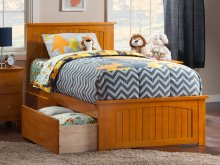 Nantucket Twin XL Bed with Matching Foot Board with 2 Urban Bed Drawers in Caramel Latte