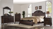 Nottingham Queen Bedroom Group: Queen Bed, Nightstand, Dresser & Mirror