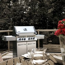 Prestige® 500 with Infrared Side and Rear Burners, Stainless Steel