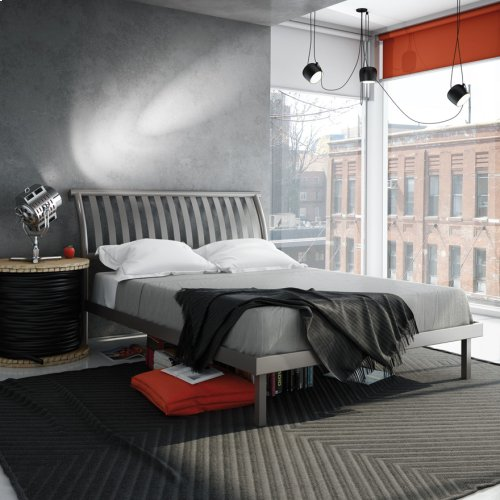 Newton Platform Footboard Bed - King