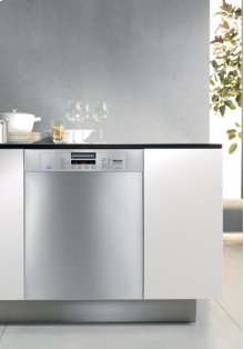 G 5225 Futura Crystal Series Dishwasher - Clean Touch Steel