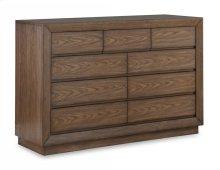 Maximus Dresser