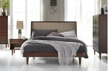Jensen Shelter Bed With Euro Footboard
