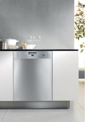 Prefinished, Full-size Dishwasher (Red Hot Closeout)