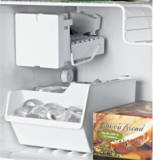 GE® Electronic Icemaker