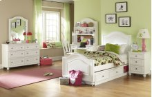 Madison Panel Bed Twin