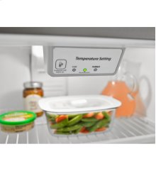 30-inch Wide Top-Freezer Refrigerator with Garden Fresh™ Crisper Bins - 18 cu. ft.