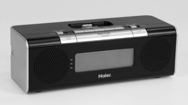 Auto Clock Set Radio with iPod Dock