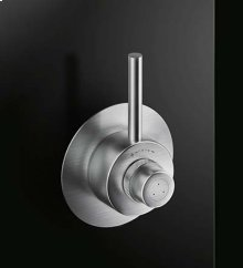 This CB431 is a special execution based on a designer's request to have a shorter straight lever and a round escutcheon.
