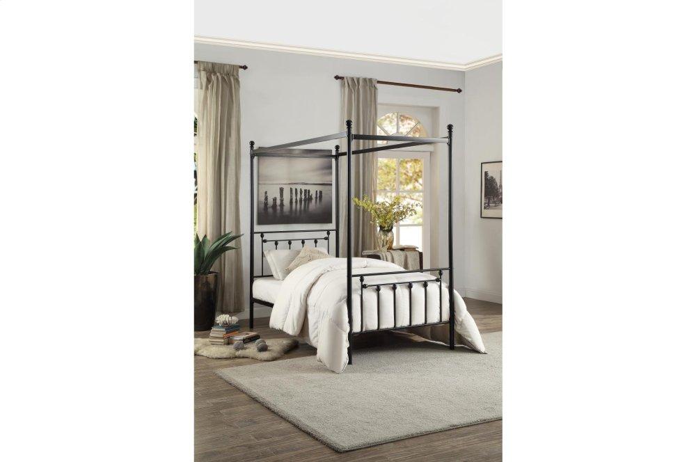 Queen Canopy Platform Bed