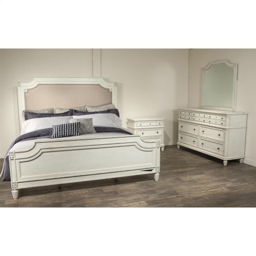 Huntleigh Queen Carved Upholstered Bed