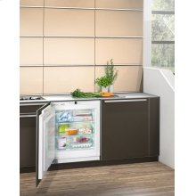 "24"" Under-worktop freezer for integrated use"