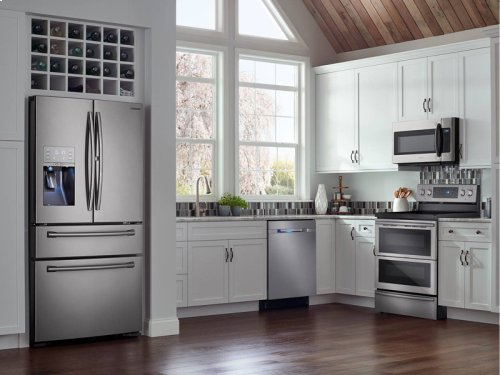 5.9 cu. ft. Electric Flex Duo® Range with Soft Close and Dual Door