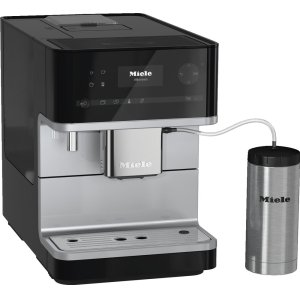 MieleCountertop coffee machine with OneTouch for Two feature and integrated cup warmer for perfect coffee.