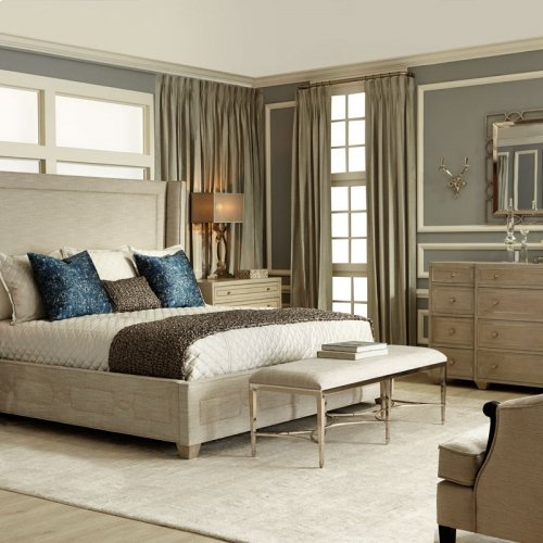 King-Sized Criteria Upholstered Bed in Criteria Heather Gray (363)